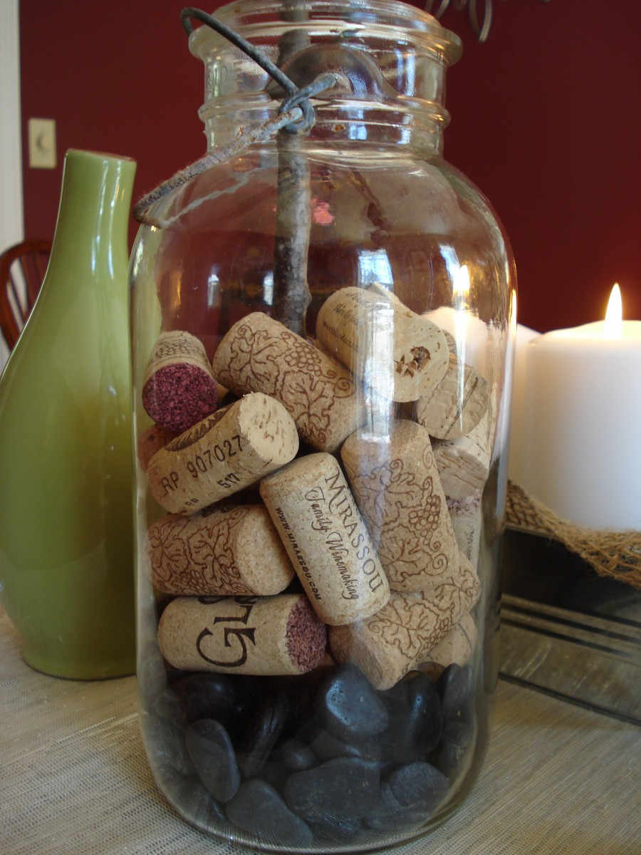 Heart maine home decorating for spring for Decorating with wine corks