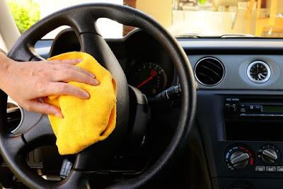 Trik Untuk Penghilang Bau Amis Pada Mobil Anda