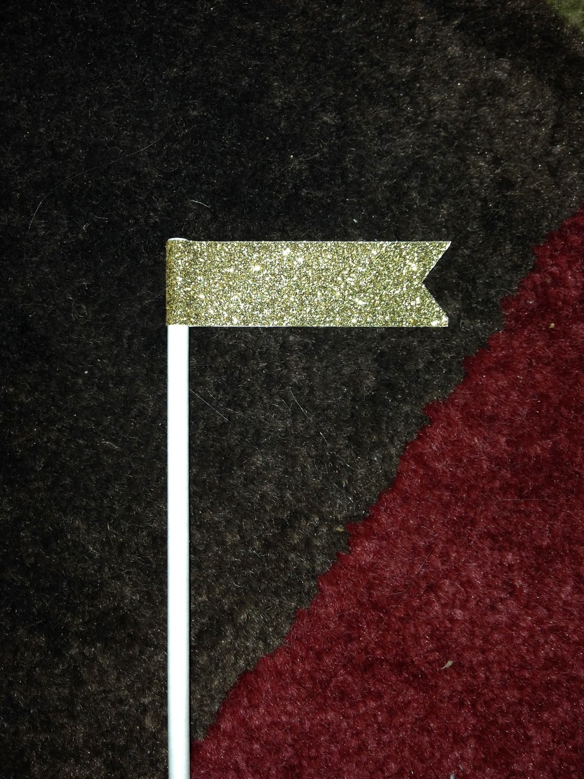 DIY Glitter banner drink stirrers for New Years Eve | Choosing Happy Blog