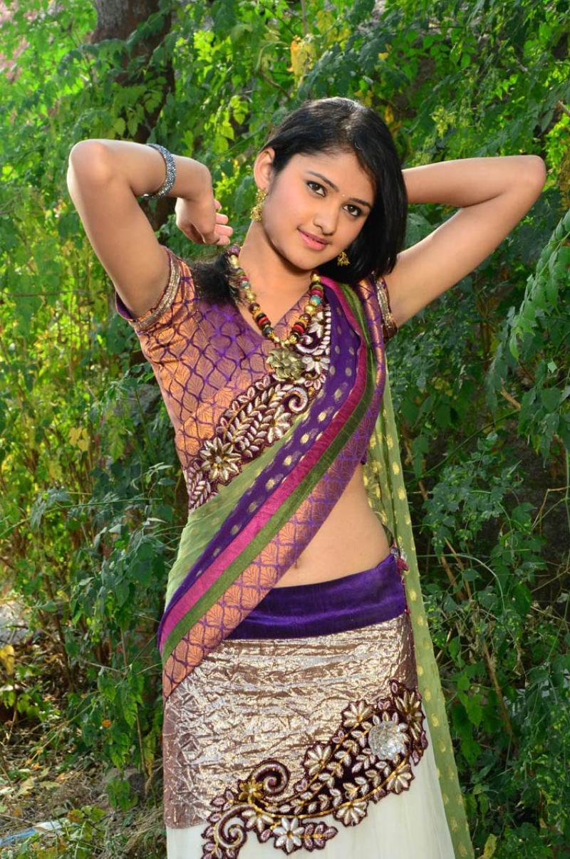 Actress Illeana Zero size Hot navel show pics - Actress Album