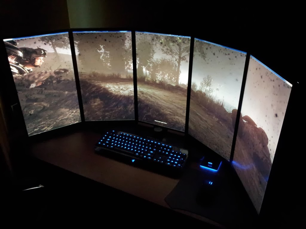 5 Monitor Battlestation Gaming Desk Setup