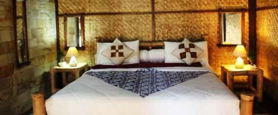 Kamar Tidur di villa Desa Sawah