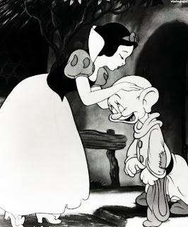 Snow White Dopey filmprincesses.blogspot.com