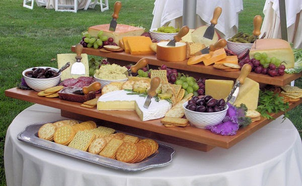 Using wooden boards to display food