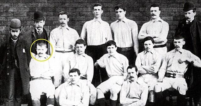 Siapakah Sebenarnya Pencetak Gol Pertama Liga Inggris 02