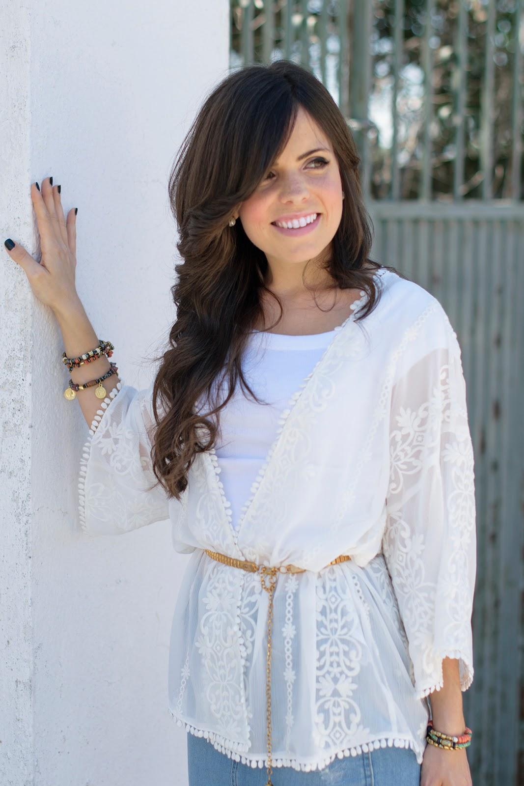 Look con falda tubo de zara y kimono blanco