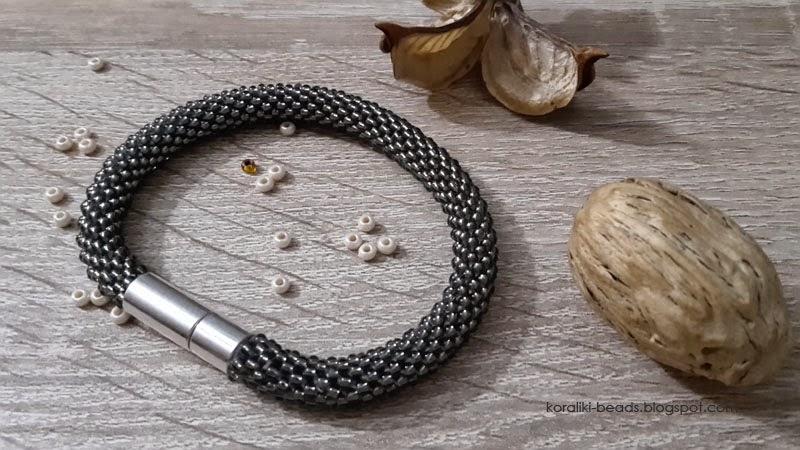 Bransoletka sznur szydełkowo - koralikowy koraliki 2,3 mm