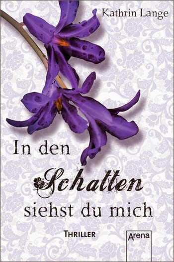 http://durchgebloggt.blogspot.de/2013/03/rezi-in-den-schatten-siehst-du-mich.html