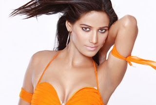 poonam pandey hot and beautiful wallpapers free download pictures of hot and nude poonam pandey free