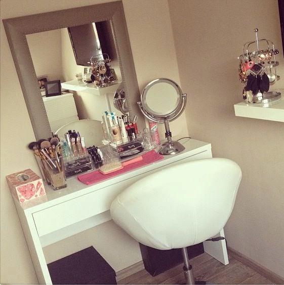 mademoiselle mili rangement maquillage. Black Bedroom Furniture Sets. Home Design Ideas