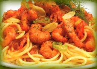 Espaguetis al ajo y camarones