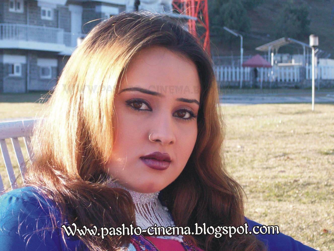 Nadia Gul Pashto