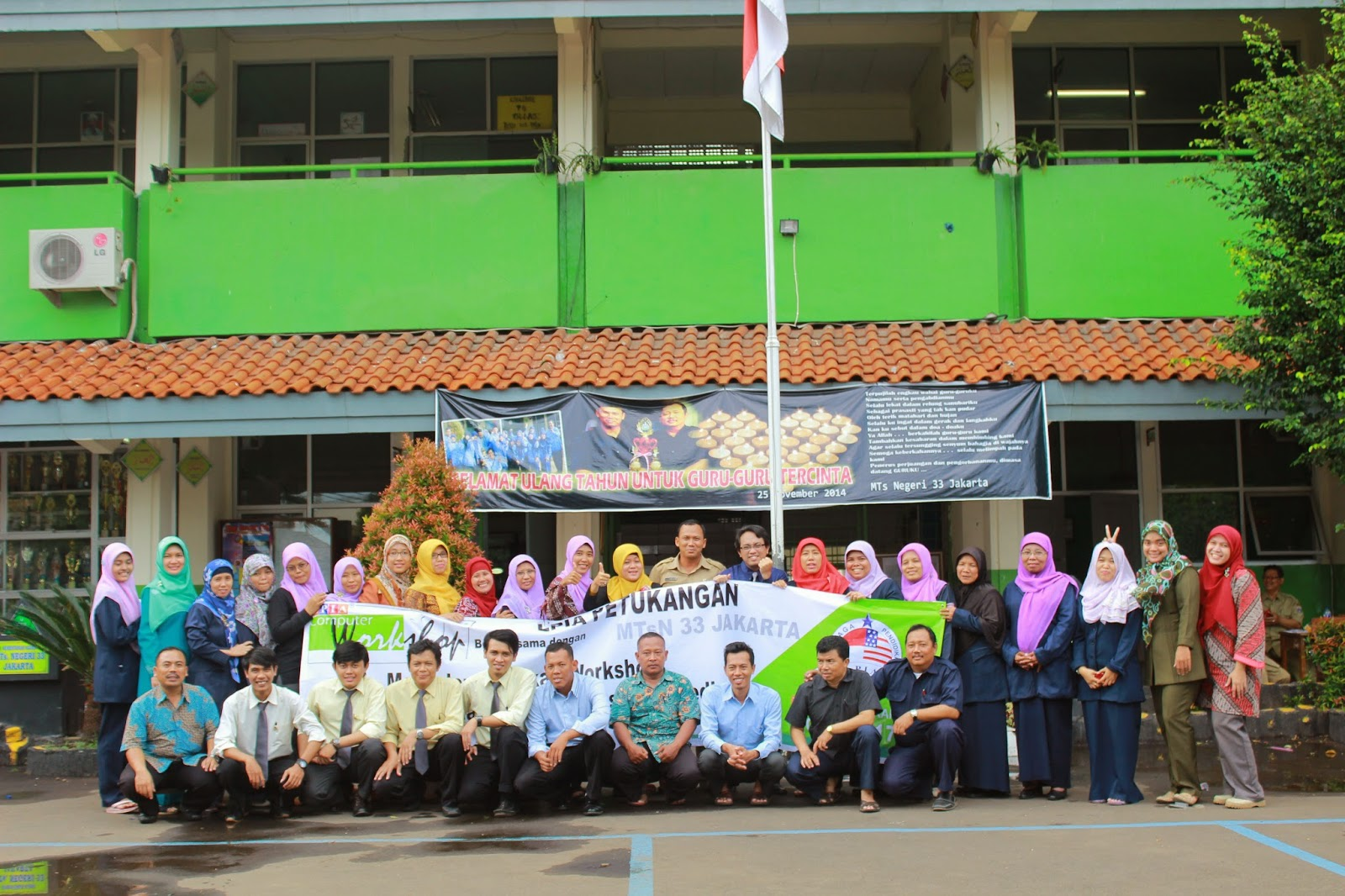 Pelatihan Bahan Ajar untuk guru MTsN 33 Jakarta