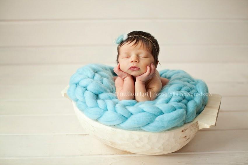sesja zdjęciowa noworodka, fotografia rodzinna, zdjęcia niemowlaków, sesja foto rodzinna, profesjonalne sesje zdjęciowe w poznaniu