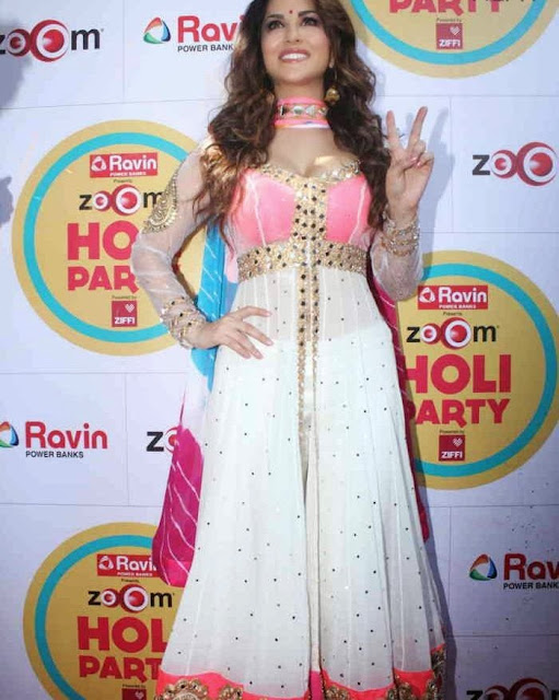 Sunny Leone at Zoom Holi Party Bash celetion Pictures 11.jpg
