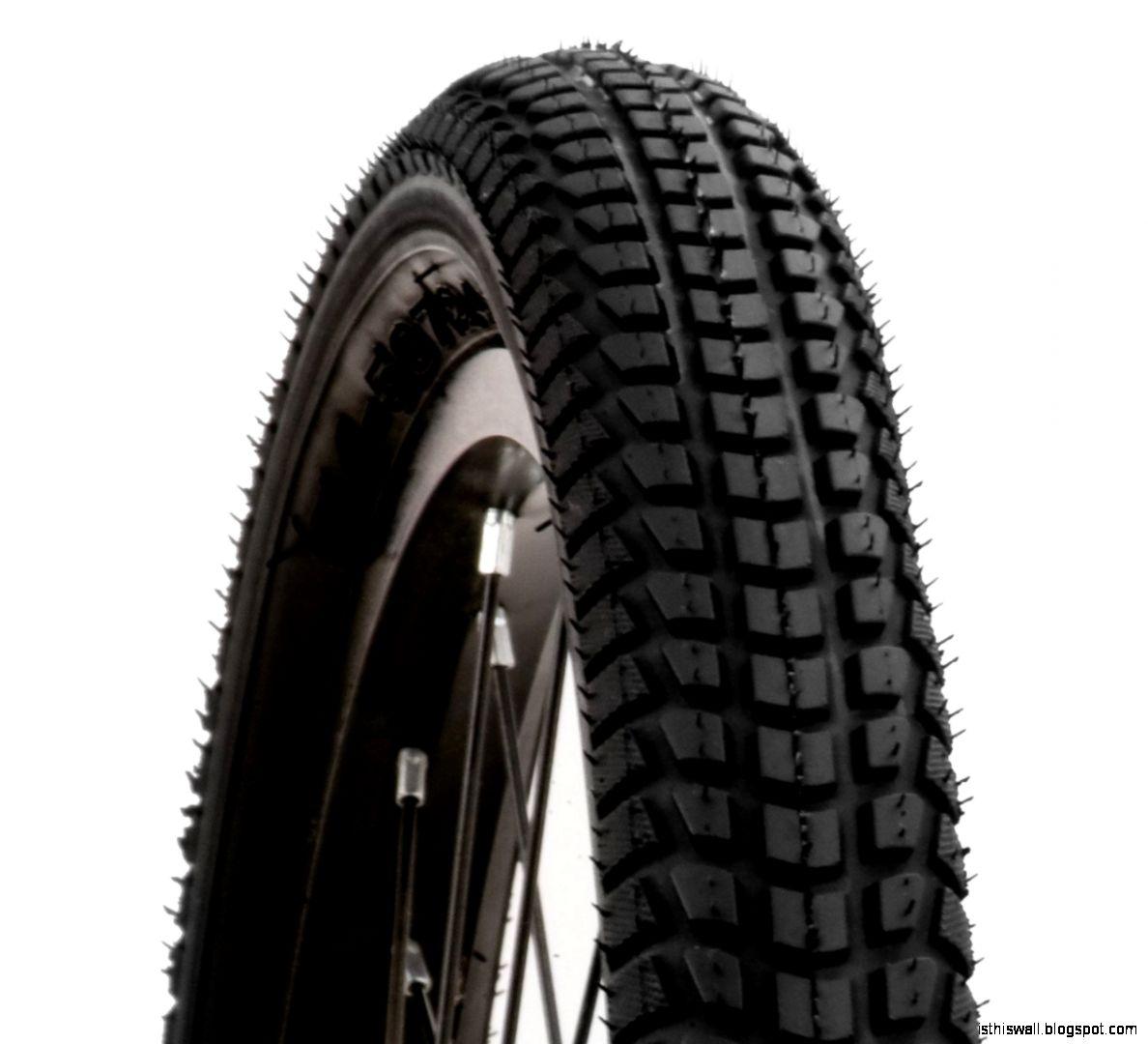 Schwinn Comfort Bike Street Tire with Kevlar