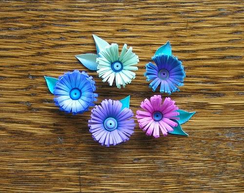 http://www.allthingspaper.net/2014/02/exotic-quilled-fringed-flowers.html