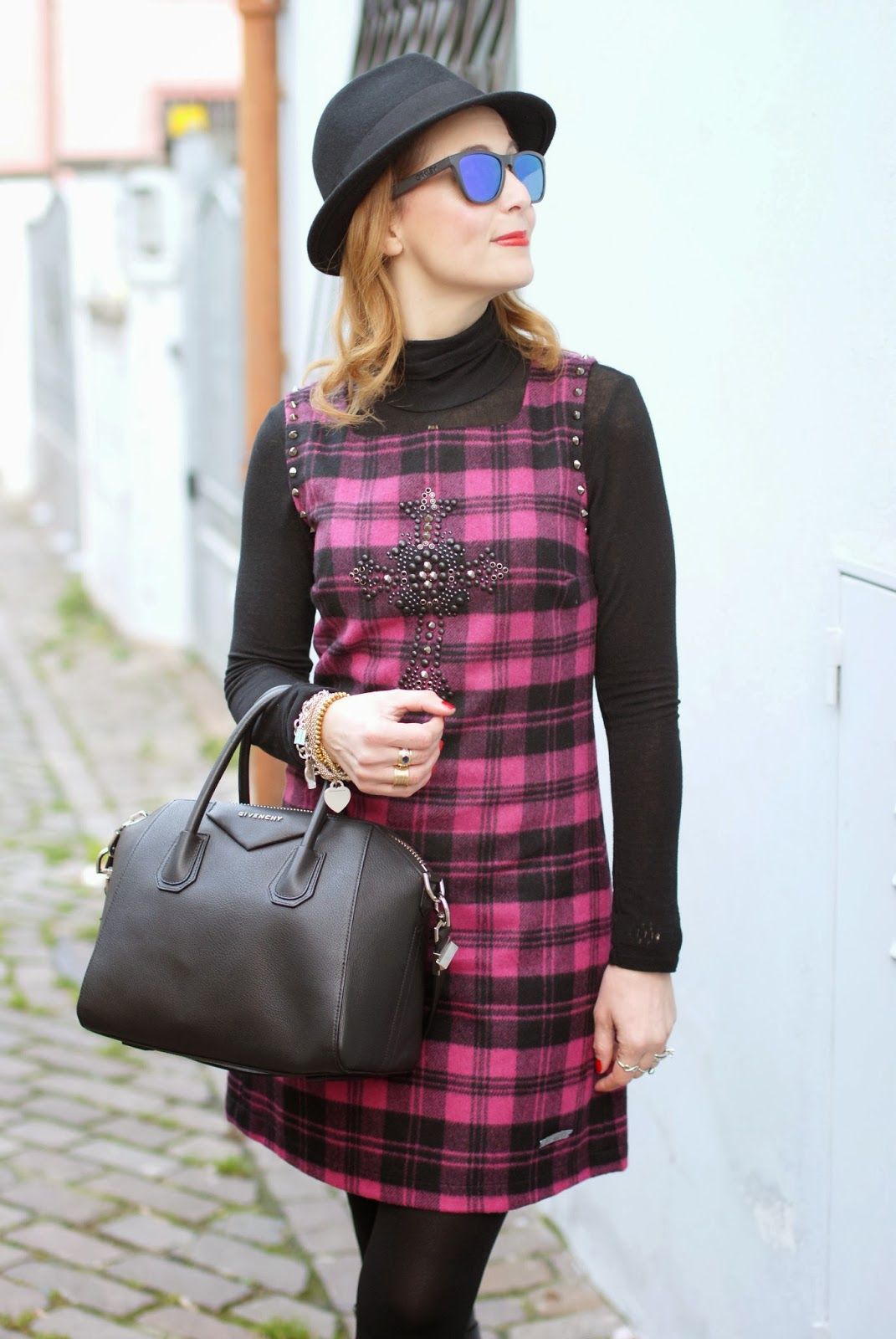 blugirl folies check dress, tartan dress, Oakley sunglasses, givenchy antigona, Fashion and Cookies, fashion blogger