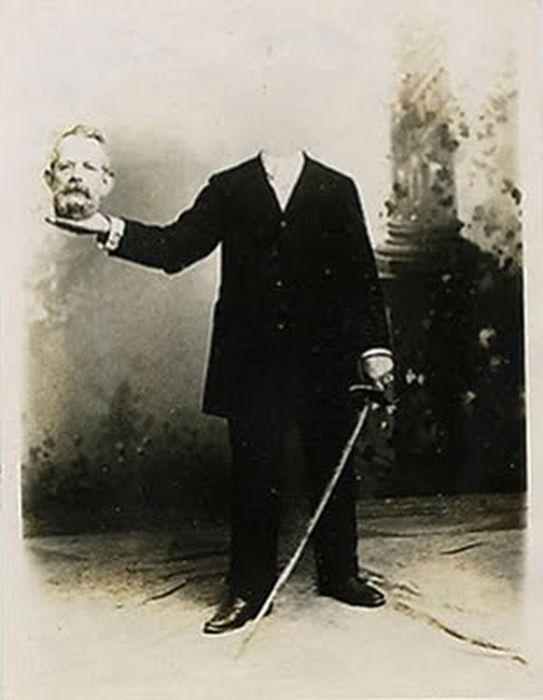 Potret tanpa kepala dari abad ke 19