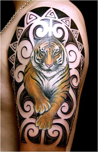 Tatuaje de Tigre en el brazo