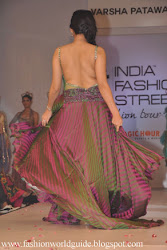 Archana Hot Ramp Walk At IFS 2012 Photo Collection , back less dress, fashion show, ramp walk hot sexy sizzling appealing teasing