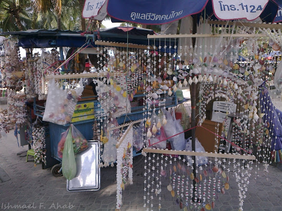 Souvenir shops in Bang Saen Beach