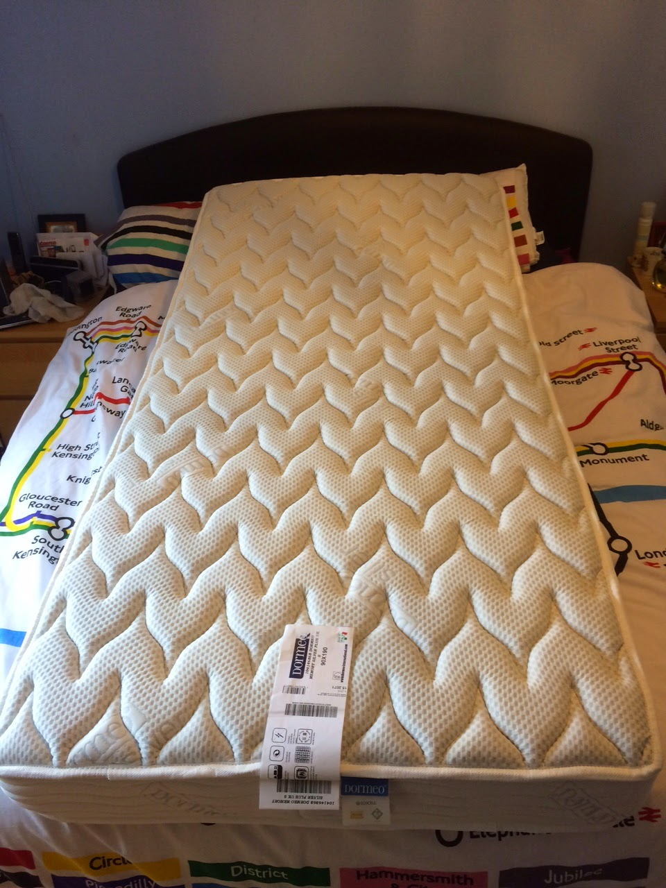 Fancy This is a top quality Dormeo memory foam mattress has a super thick Ecocell and memory foam core with an extra plush Silver cover for maximum fort
