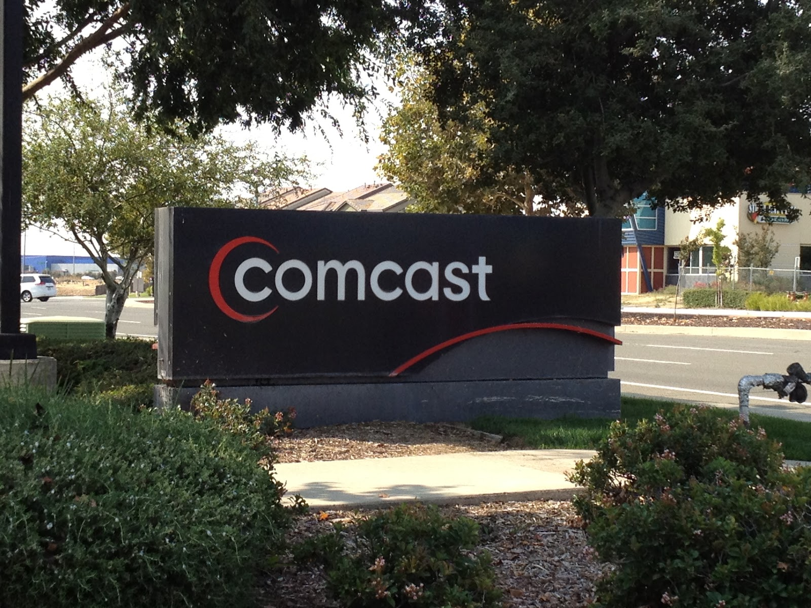 Comcast phone number customer service contact information