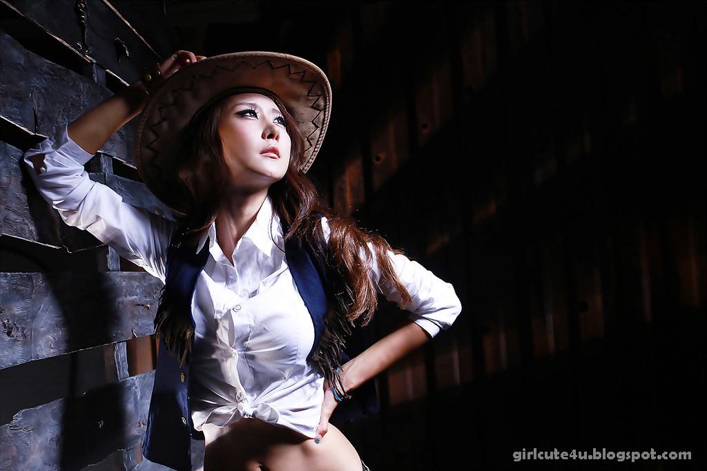 xxx nude girls: Cowgirl Park Hyun Sun