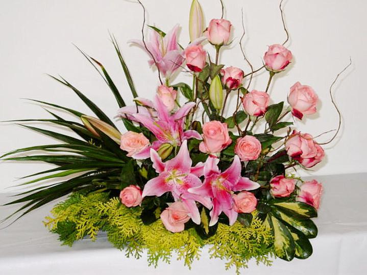 Fotos De Arranjos De Flores Artificiais Para Igrejas - 40 DICAS DE COMO DECORAR CASAMENTOS SIMPLES