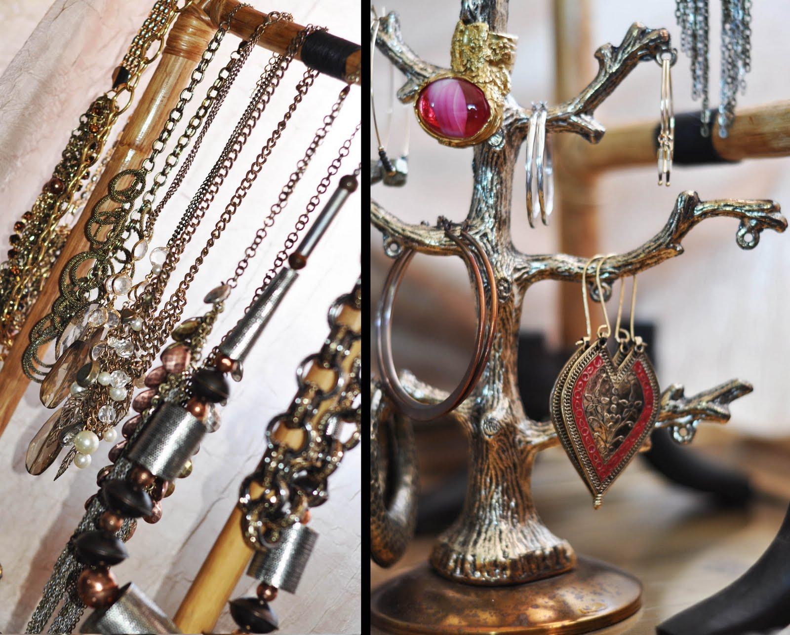 The Jewelry Exchange On Antique Jewelry Investor