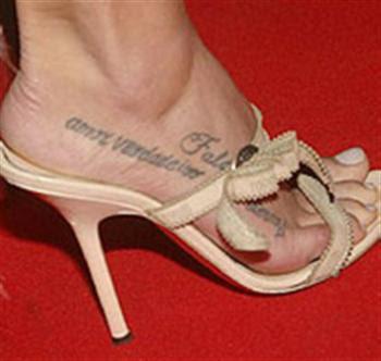 Tatuagens Femininas com Letras