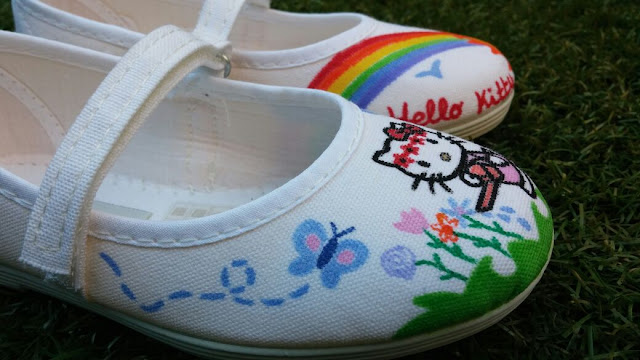 Zapatillas pintadas a mano Hello Kitty