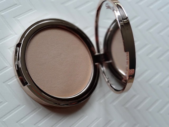 Josie Maran Argan Enlightenment Illuminizing Veil Review, Photos, Swatches