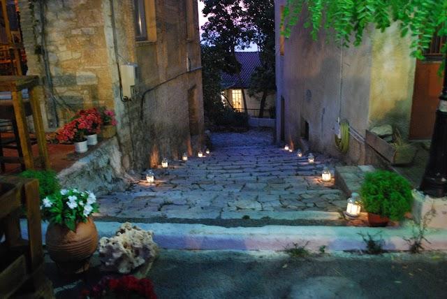Μικρές πινελιές ζωντάνιας στην Παλιά Πόλη από τους νέους