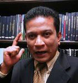 http://3.bp.blogspot.com/-ZE-RPA-2tCI/UbV6ITLF0CI/AAAAAAAAZ5Y/ftyaxA6euiY/s1600/agus-yusof-dr.jpg