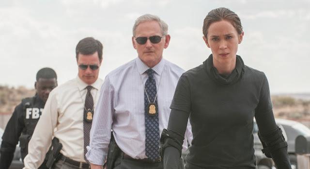Emily Blunt, Benicio Del Toro e Josh Brolin no trailer do thriller policial Sicario: Terra de Ninguém