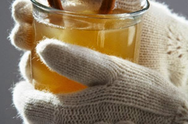 http://bigelowteablog.com/2013/12/27/hot-tea-hot-buttered-rum-bigelow-tea-perfect-drink/