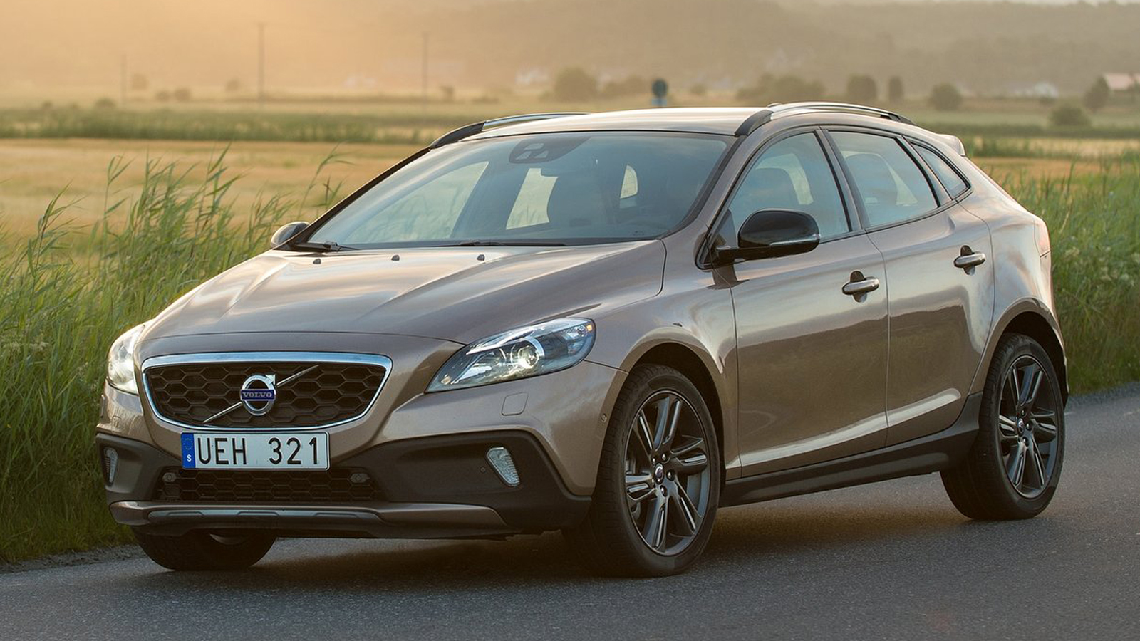 volvo v40 cross country 2014 t5 awd carwp. Black Bedroom Furniture Sets. Home Design Ideas
