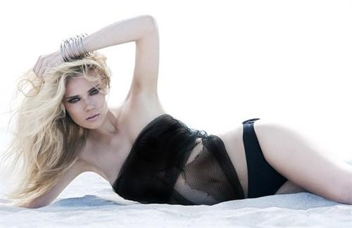 Sweden Model Sara von Schrenk photos gallery