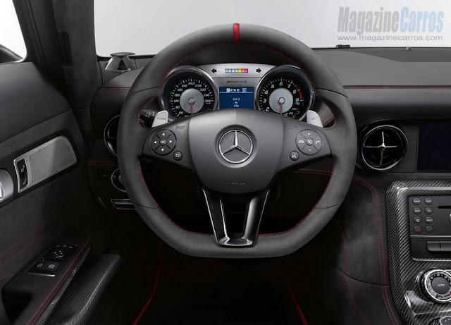 Volante do novo Mercedes-Benz SLS AMG Black Series 2014