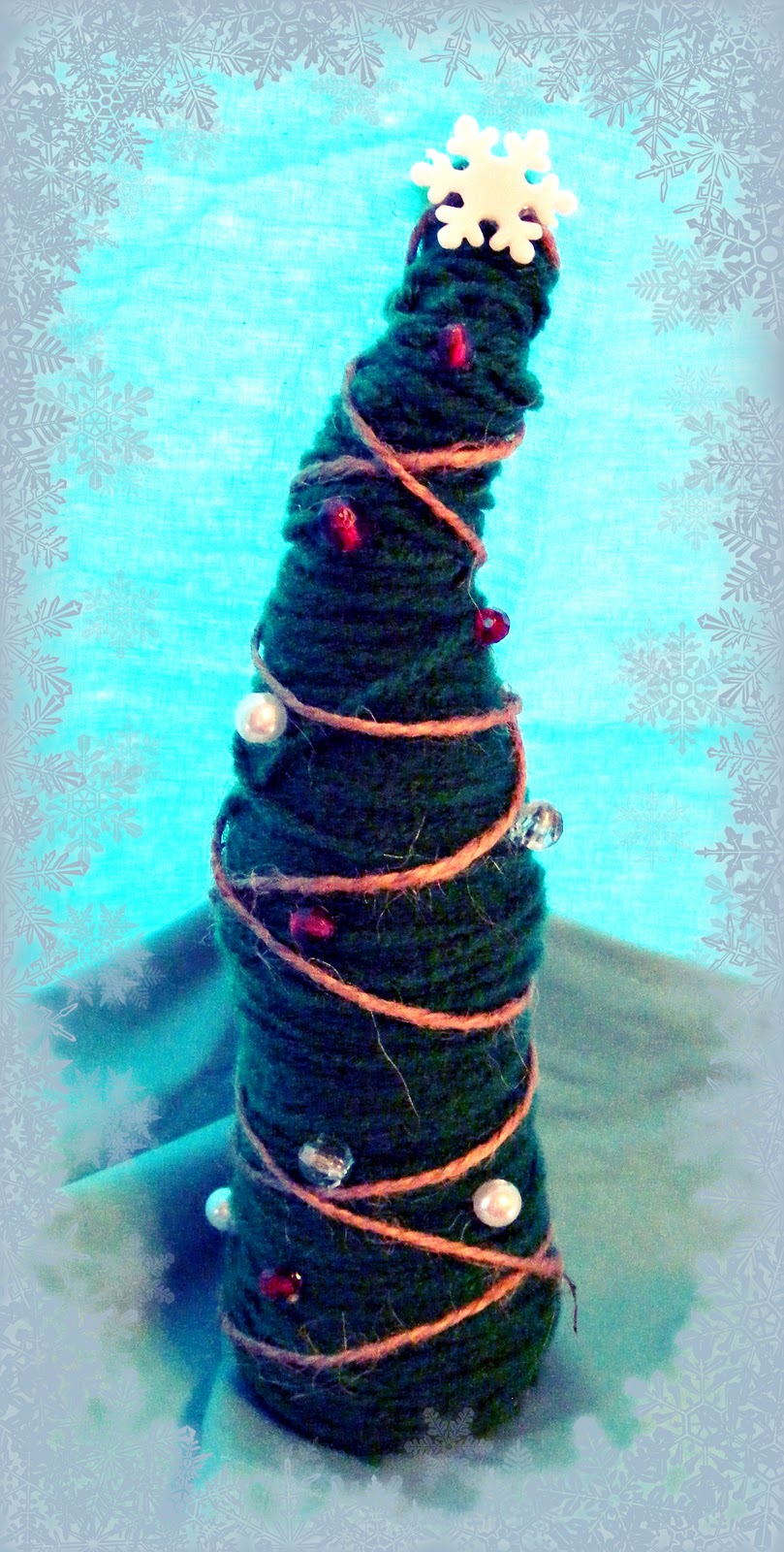 Bacon time with the hungry hypo christmas tree craft for Bacon christmas tree decoration