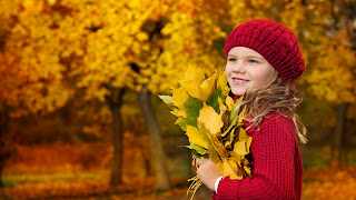 Cute Little Baby Girl With Leafs HD Wallpaper