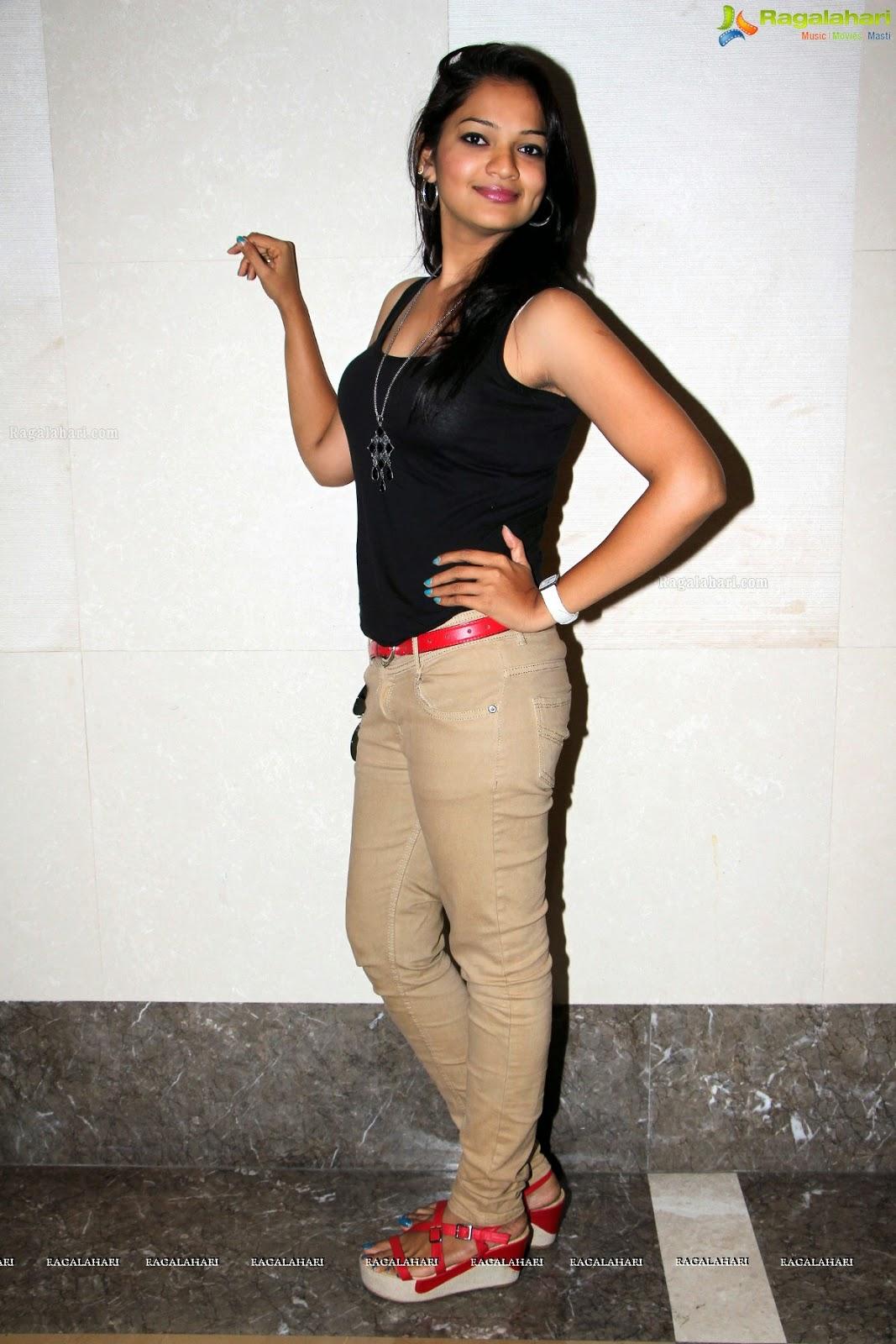 armpitz: Ashwini (stubble , smooth , sweat&stubble&armpitstain pics ...