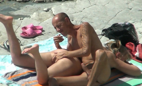 BeachHunters Sex 17076-17152 (Amateur Sex on a Nudist Beach)