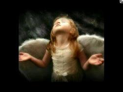 """""""Cada uno de nosotros necesita tener fe en algo, y podemos obtener esa fe en Dios y en sus Ángeles."""