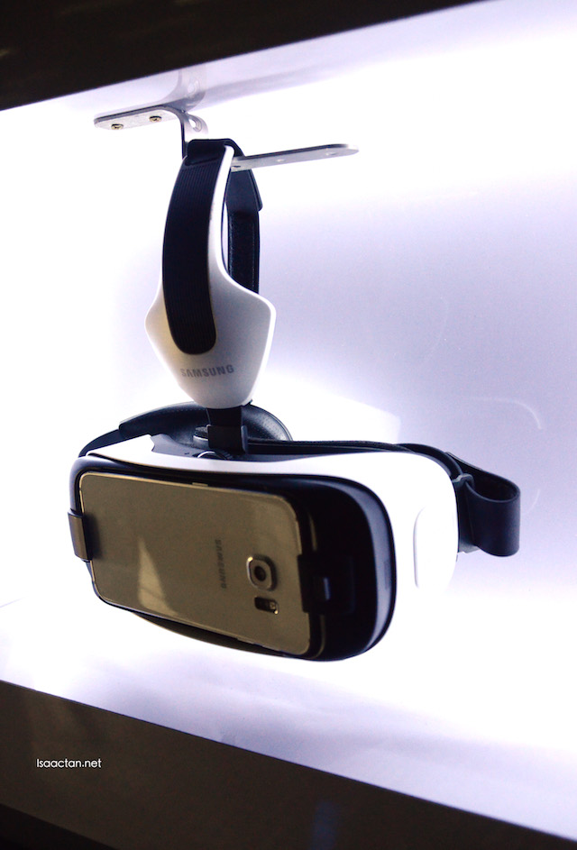 Introducing the Samsung Gear VR Innovator Edition for S6