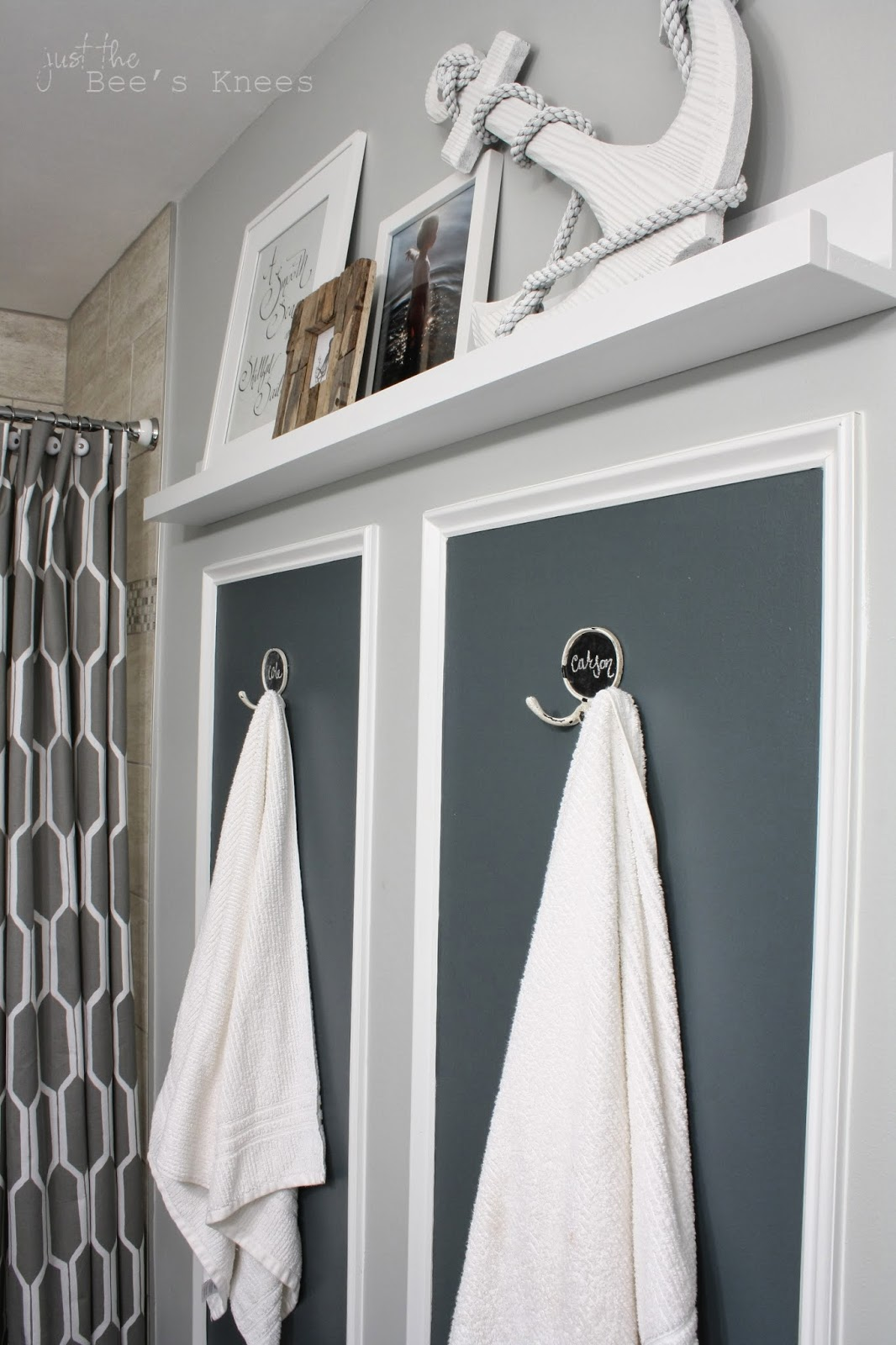 Accent paint color in bathroom