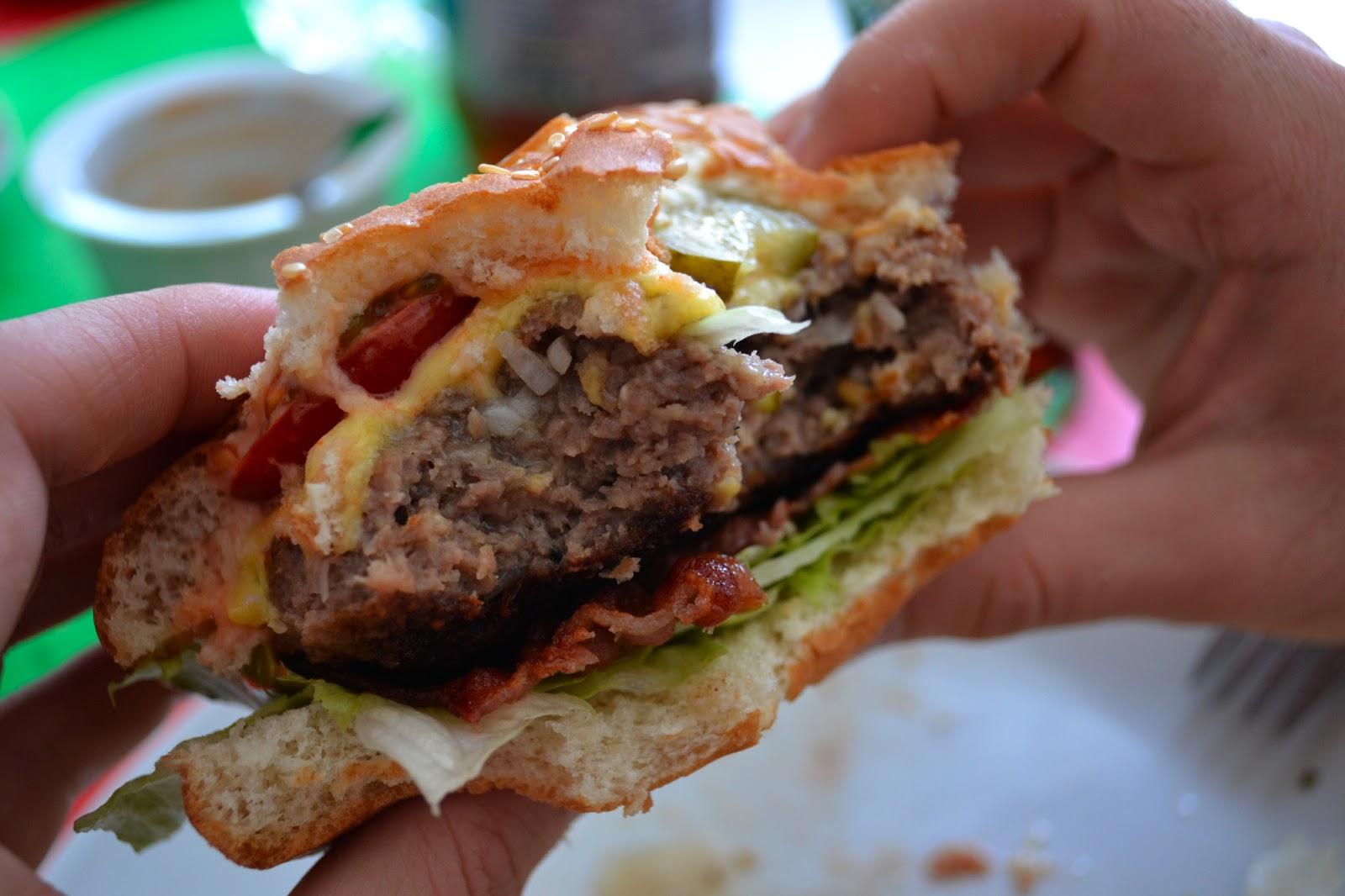 gute nahrung macht gl cklich cheeseburger nach jamie oliver. Black Bedroom Furniture Sets. Home Design Ideas