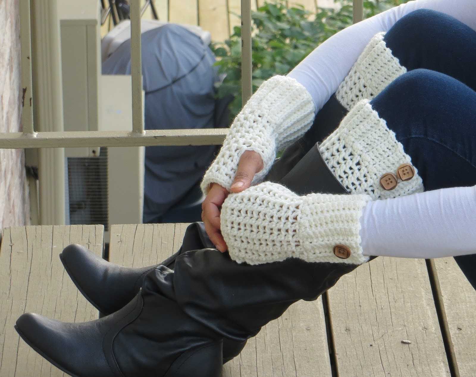 Free Crochet Patterns For Boot Cuffs With Buttons : Crochet Dreamz: Brooklyn Boot Cuffs, Free Crochet Pattern